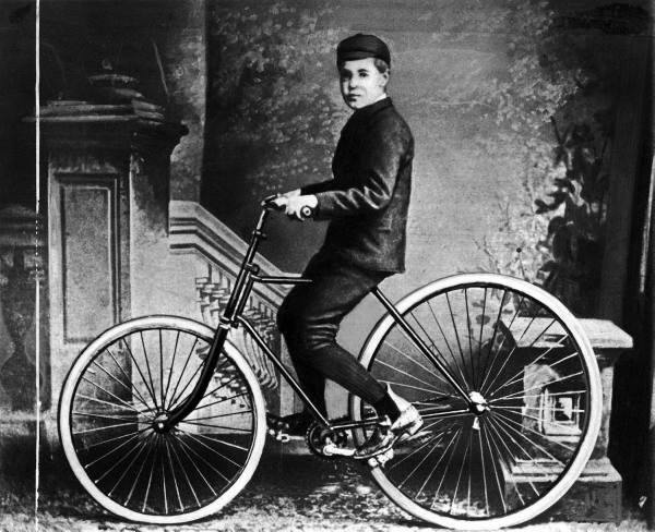 John Boyd Dunlop und der erste pneumatische Gummireifen